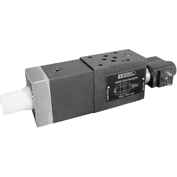 ISO 4401-03 p max 250 bar Q max (lásd katalógus) Az RLM3 egy kompakt szelep csoport amely a gyors/lassú járat választására szolgál. A szelep állítható részét az RPC1 szelep adja, a váltást pedig a KT08 ülékes szelep biztosítja. ISO-4401-03-as közlapos rendszerbe könnyedén beilleszthető átcsövezés nélkül.