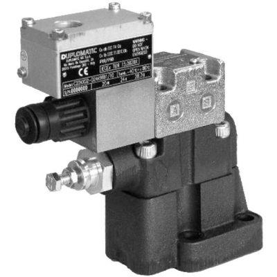 Robbanásbiztos elővezérelt nyomáshatároló szelepek elektromos termentesítéssel ATEX94/9/EC alaplapos RQM3K*-P ISO 6264-06 RQM5K*-P ISO 6264-08 RQM7K*-P ISO 6264-10 CETOP R06, R08, R10 NA 10, 20, 30 ATEX, IECEx és INMETRO szabványoknak megfelel, így használható robbanásveszélyes légkörben is, felszíni üzemekben és bányákban egyaránt Alacsony hőmérsékletre szánt verzió is rendelhető (-40c) Alap esetében fekete-foszfát bevonatot és cink-nikkel bevonatot kapnak a szelepek, de külön rendelésre elérhetőek olyan bevonatok amik 600 órás só tűréssel rendelkeznek